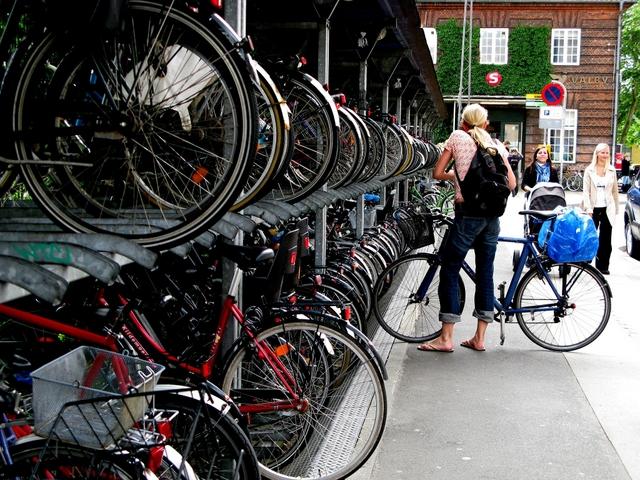 Pobuda za ureditev kolesarskih stojal