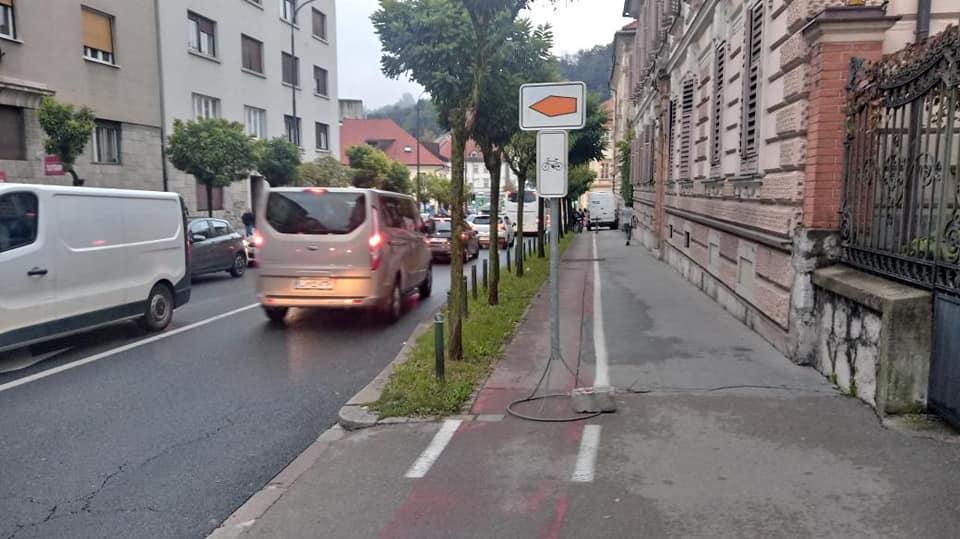 Kako bi se morale občine lotevati obvozov za kolesarje ob zaporah