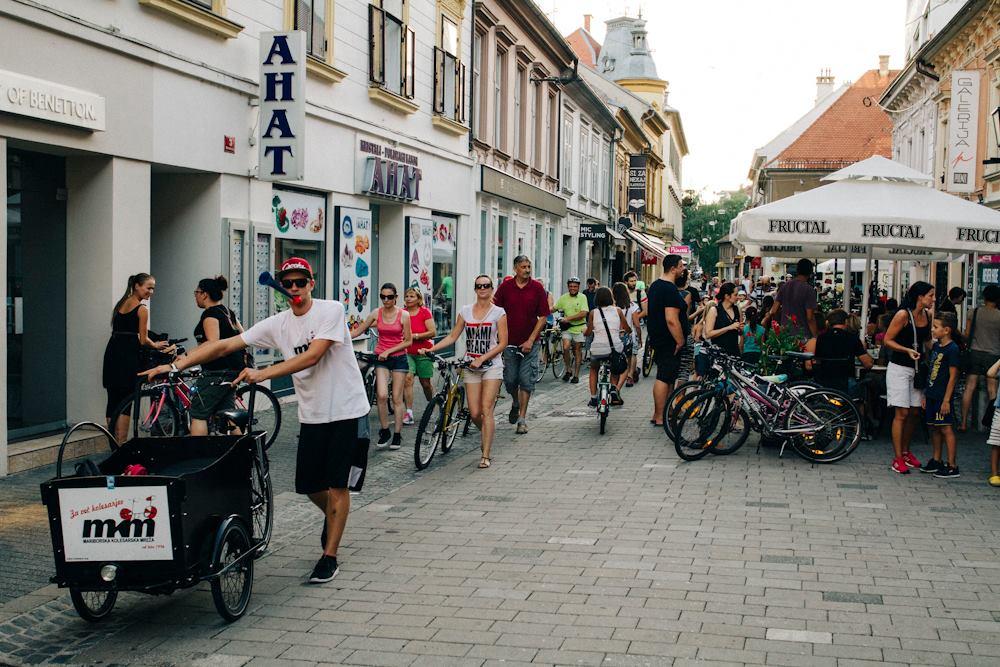Sobivanje pešcev in kolesarjev v praksi. Je možno?