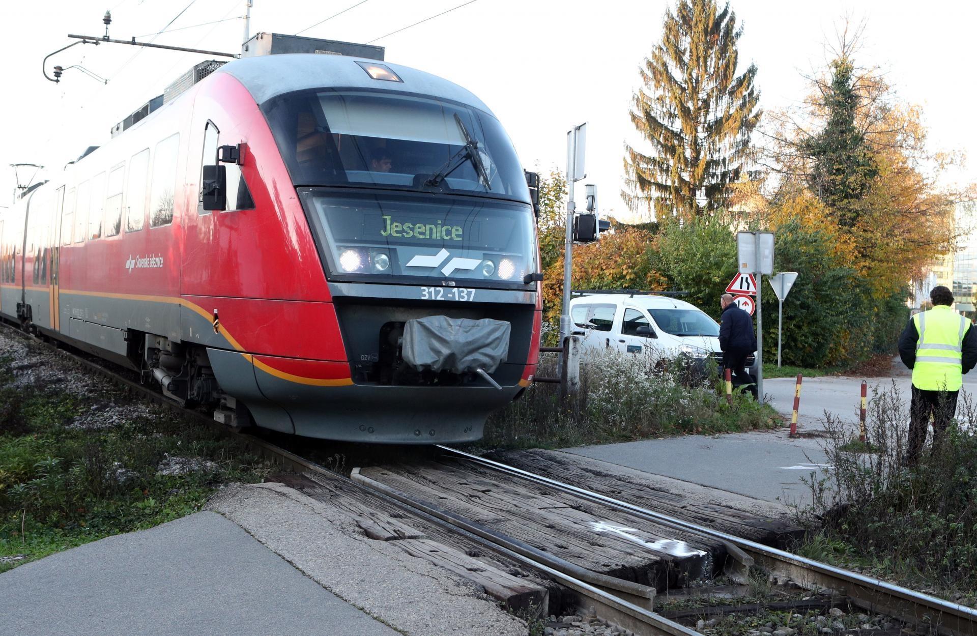 Nevarni prehod čez železniško progo je potrebno nujno urediti